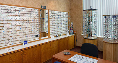 d70d1511d551 Patients and their families visit LTF Eye Clinics for a range of eye-care  needs. You may wear glasses or contact lenses and be ready for a routine  eye exam ...